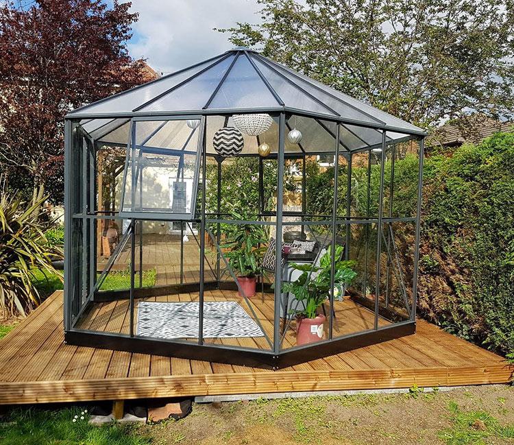 Modello di serra da giardino in vetro n.30