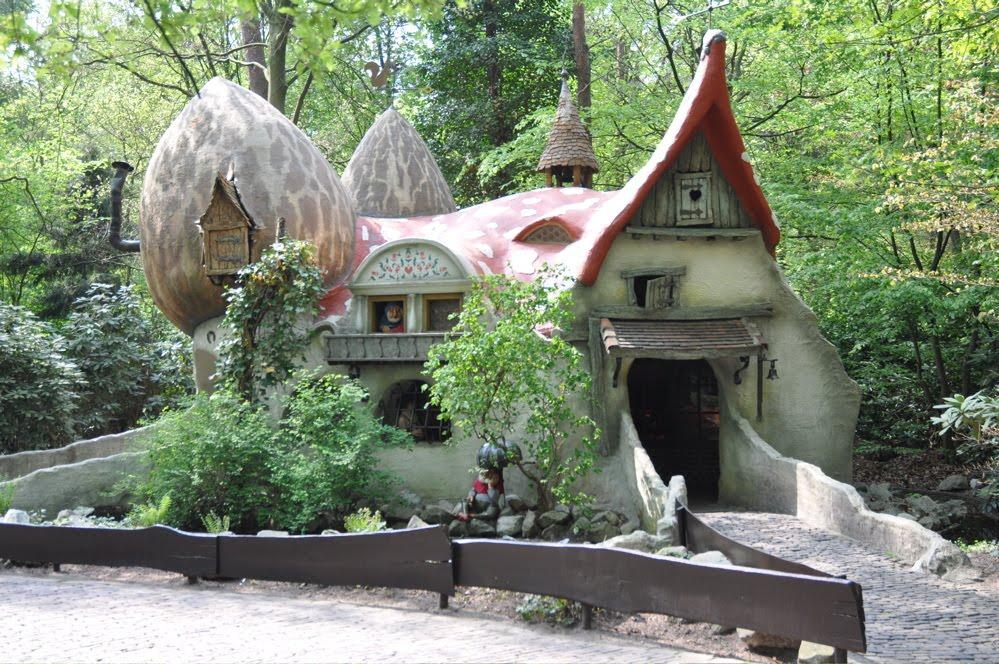 Foto della casa ispirata alla foresta in Olanda