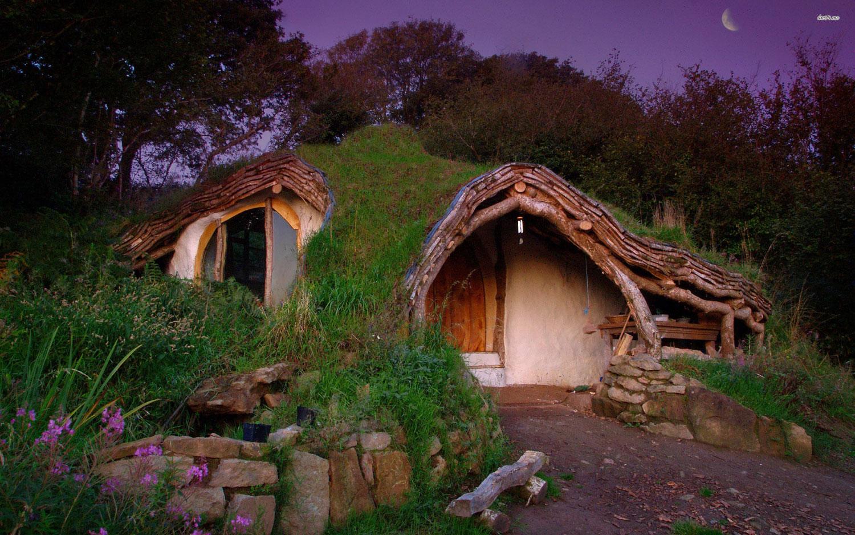 Foto della casa in stile Hobbit realizzata in Galles