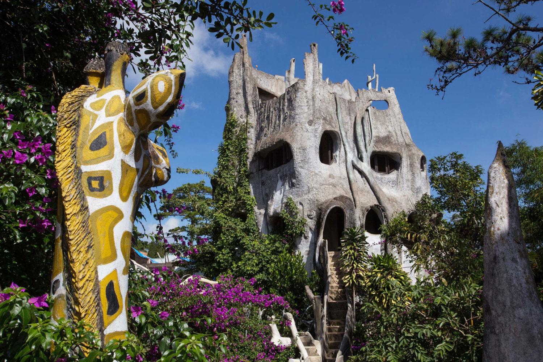 Foto della strana casa realizzata in Vietnam