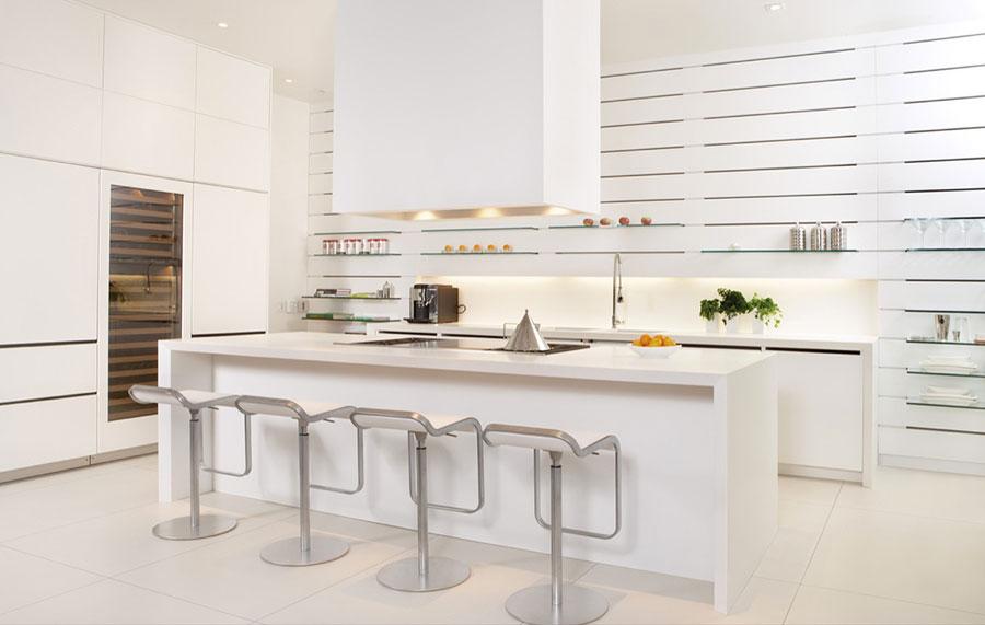 Modello di cucina moderna con isola centrale n.36
