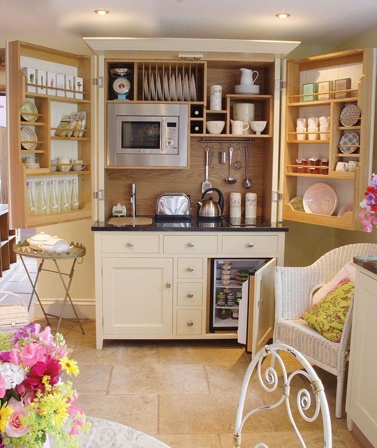 Foto della cucina a scomparsa Complete Kitchenette aperta