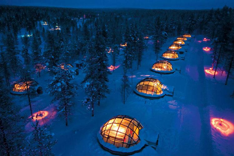Esterno dell'Hotel Kakslauttanen in Finlandia