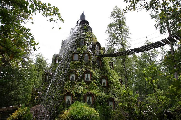 Foto dell'esterno dell'hotel Montana Magica Lodge in Cile