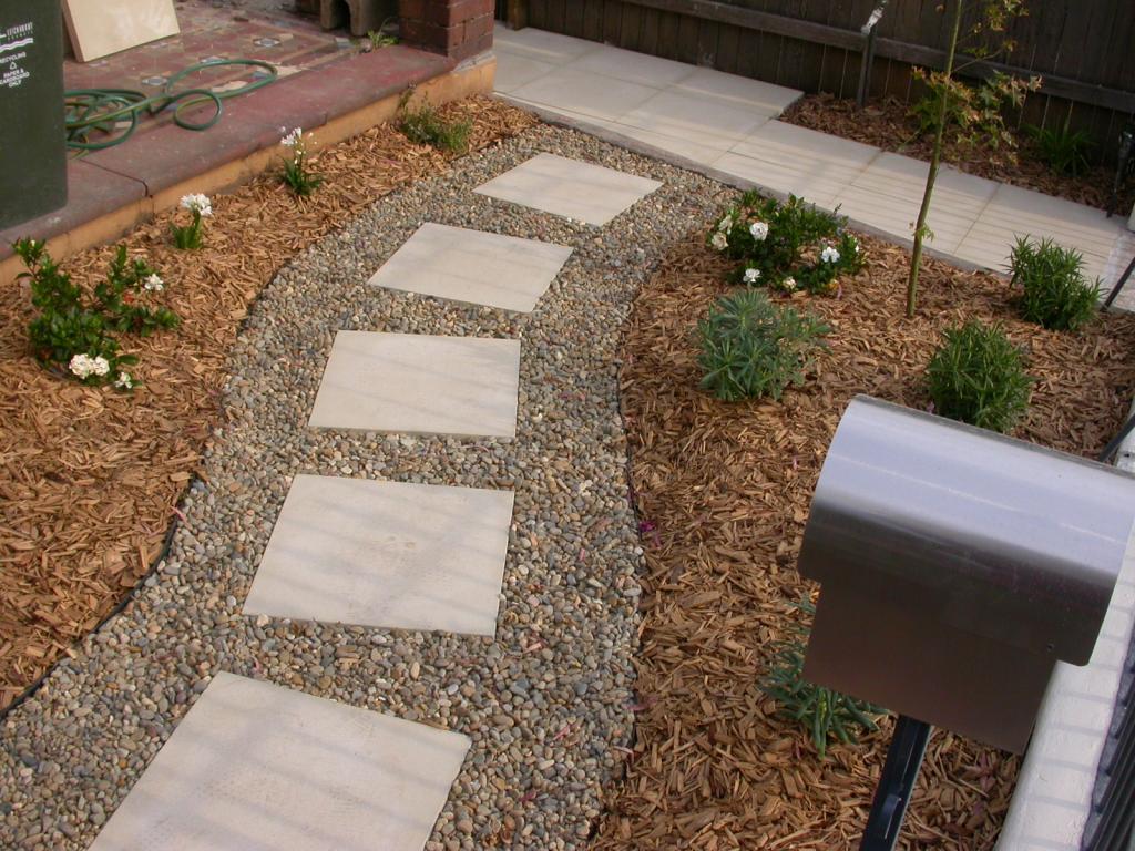 Pavimenti per giardini esterni. prezzi piastrelle per esterni