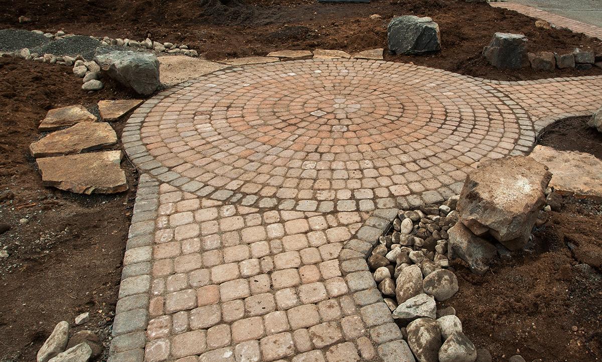 30 idee di pavimenti in pietra per esterni e giardini for Pavimenti esterni economici