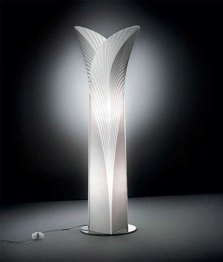 50 lampade da terra moderne con design originale for Lampade design