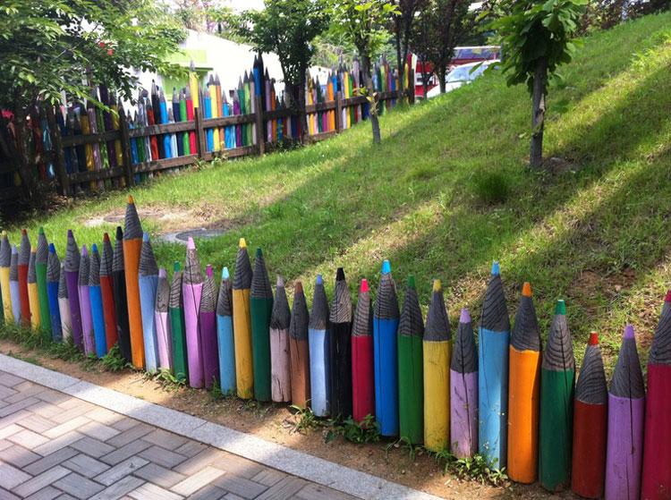 Recinzioni per giardino dal design originale e divertente - Idee per recinzioni giardino ...