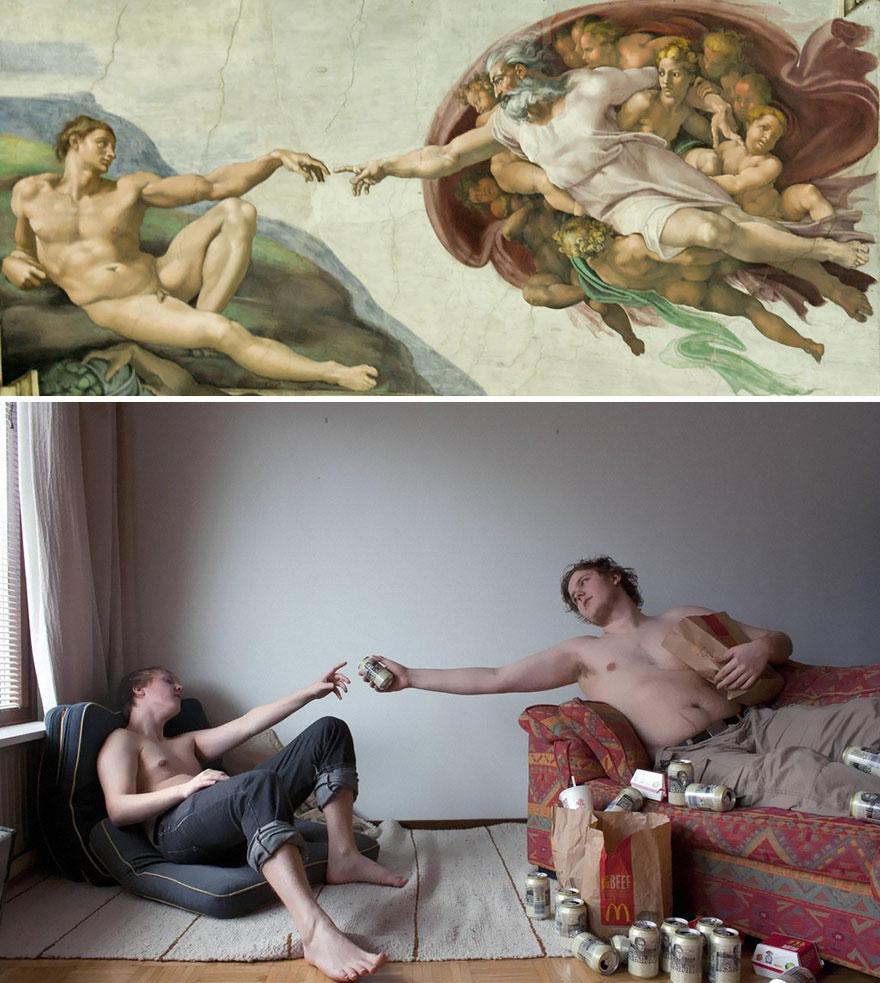 Divertente remake del dipinto La Creazione di Adamo di Michelangelo