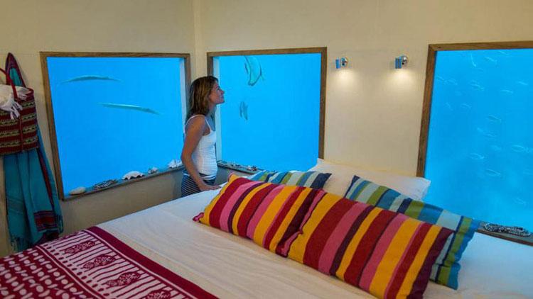 Foto della camera sott'acqua del Manta Resort a Zanzibar