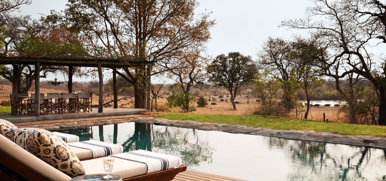 Foto della piscina del resort Singita Sabi Sand in Sudafrica