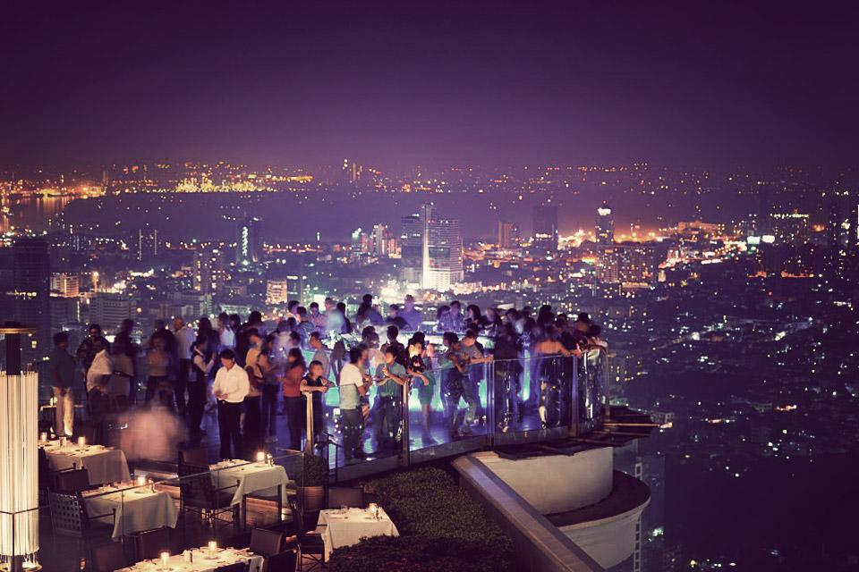 Arredamento dello Sky Bar in Thailandia