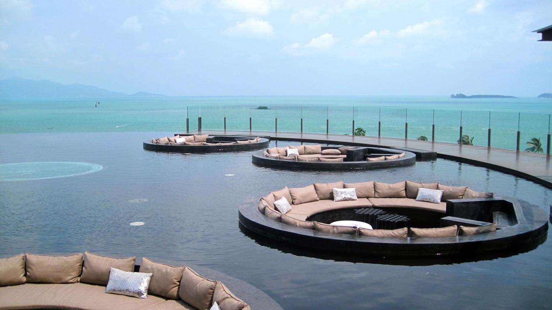 Foto della piscina del resort W Retreat Koh Samui in Thailandia