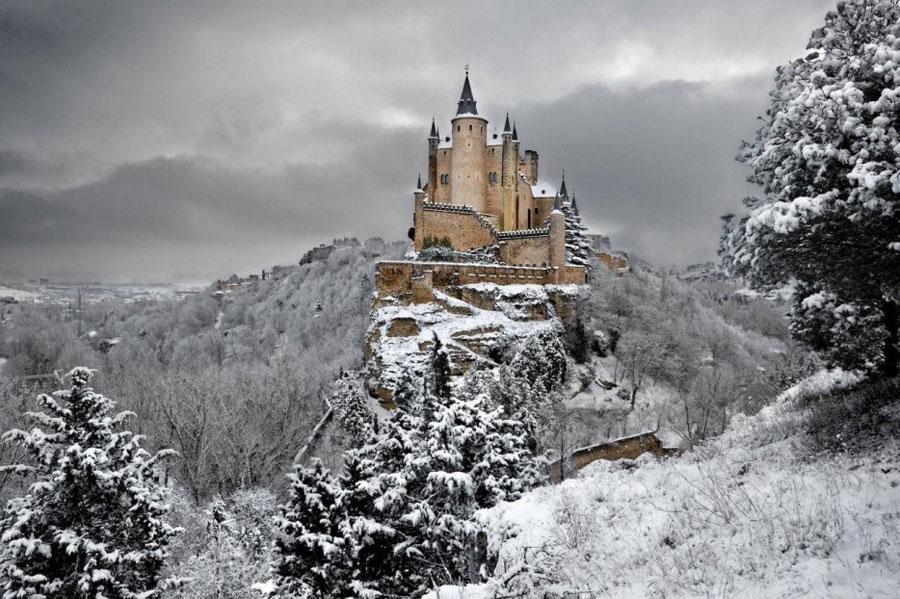Immagine del castello Alcazar De Segovia in Spagna