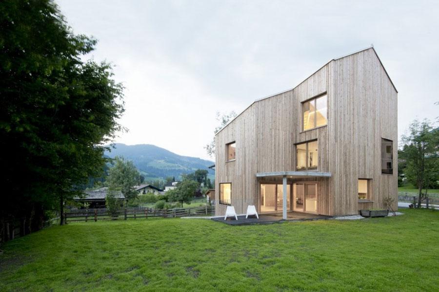 Foto della casa di legno in stile moderno n.15