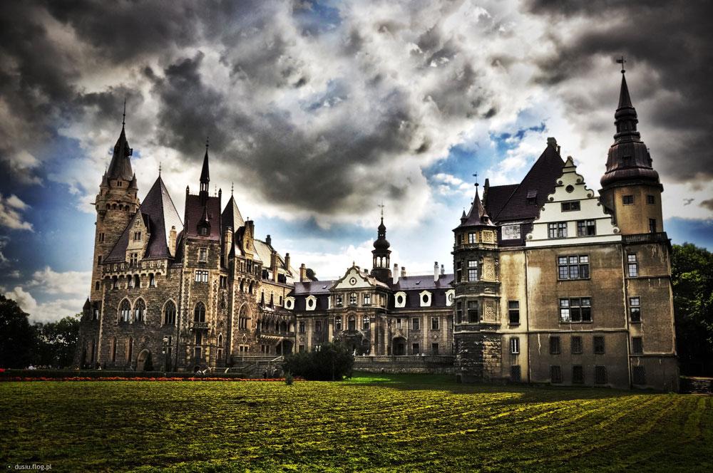Immagine del castello di Moszna in Polonia