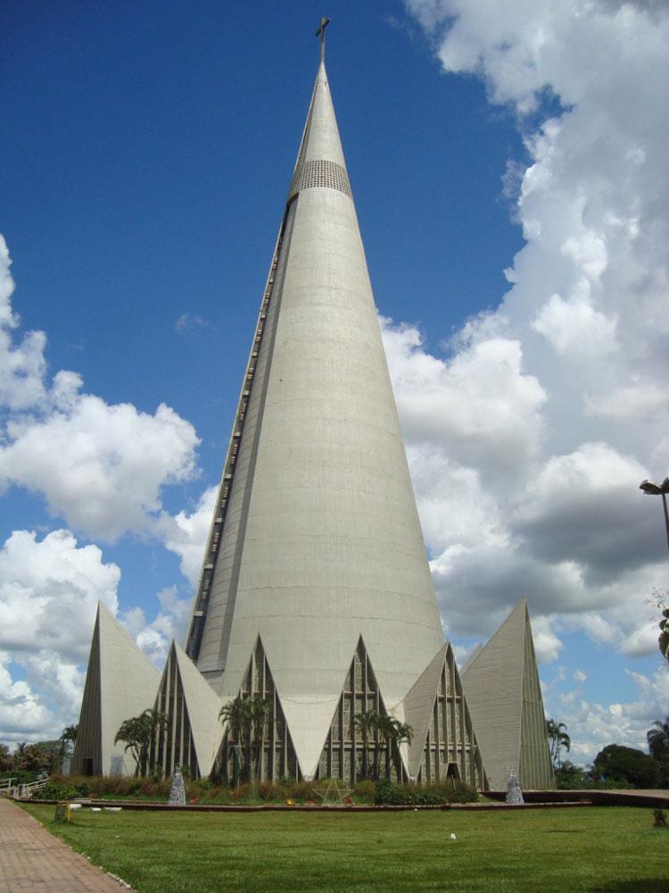 Foto della cattedrale di Maringa in Brasile