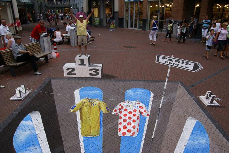 Disegni 3d Strada Arte Anamorfosi Leon Keer : Disegni d su strada con arte dell anamorfosi di leon