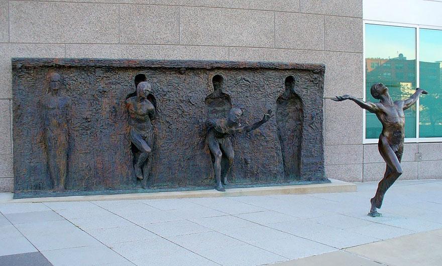 Immagine della scultura Freedom di Zenos Frudakis