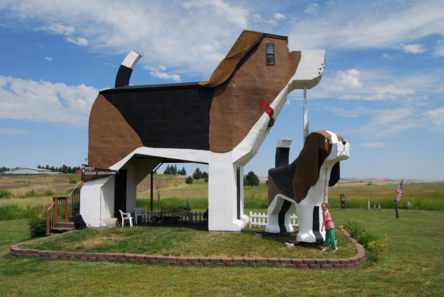 Foto dell'esterno dell'hotel Dog Bark Park Inn negli USA