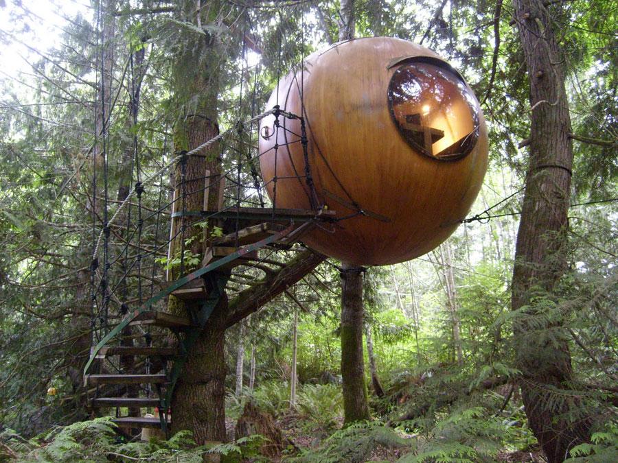 Foto dell'esterno dell'hotel Free Spirit Spheres in Canada