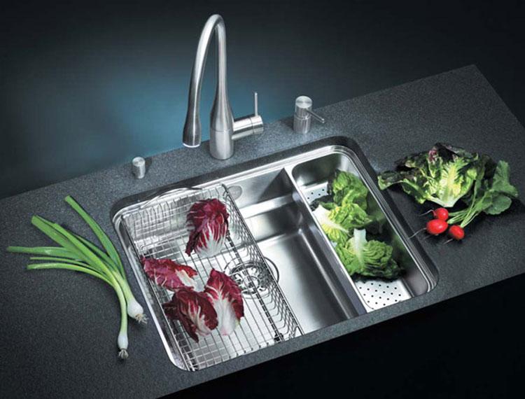 Immagine del lavello da cucina dal design moderno n.11