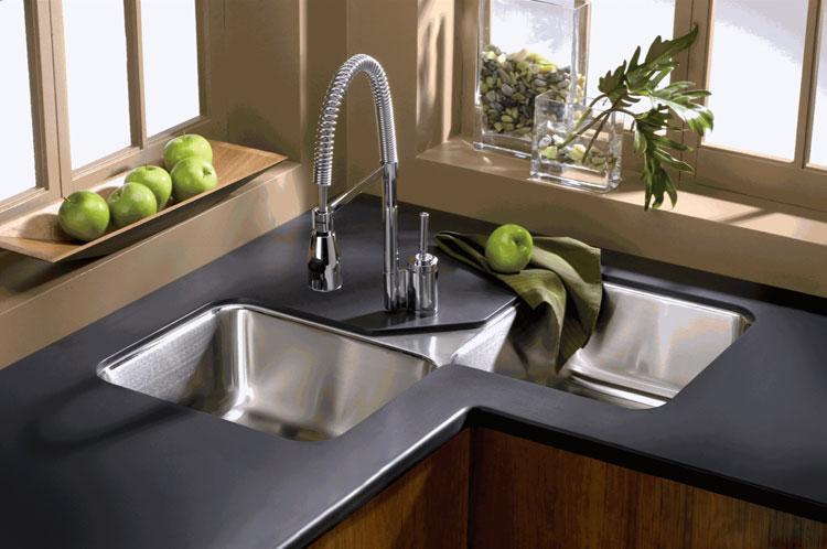 Immagine del lavello da cucina dal design moderno n.14