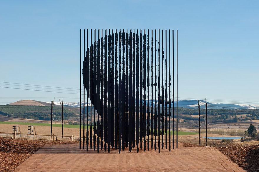 Immagine del Monumento a Nelson Mandela di Marco Cianfanelli