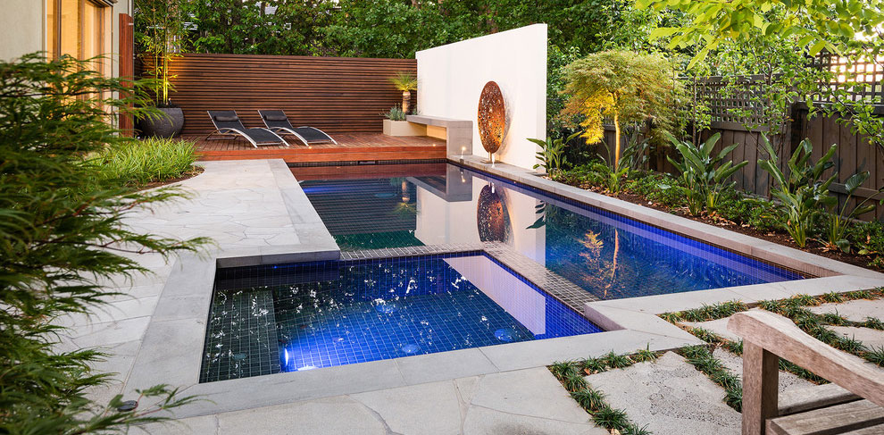Foto della piscina dal design moderno n.12