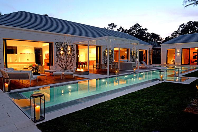 Foto della piscina dal design moderno n.14