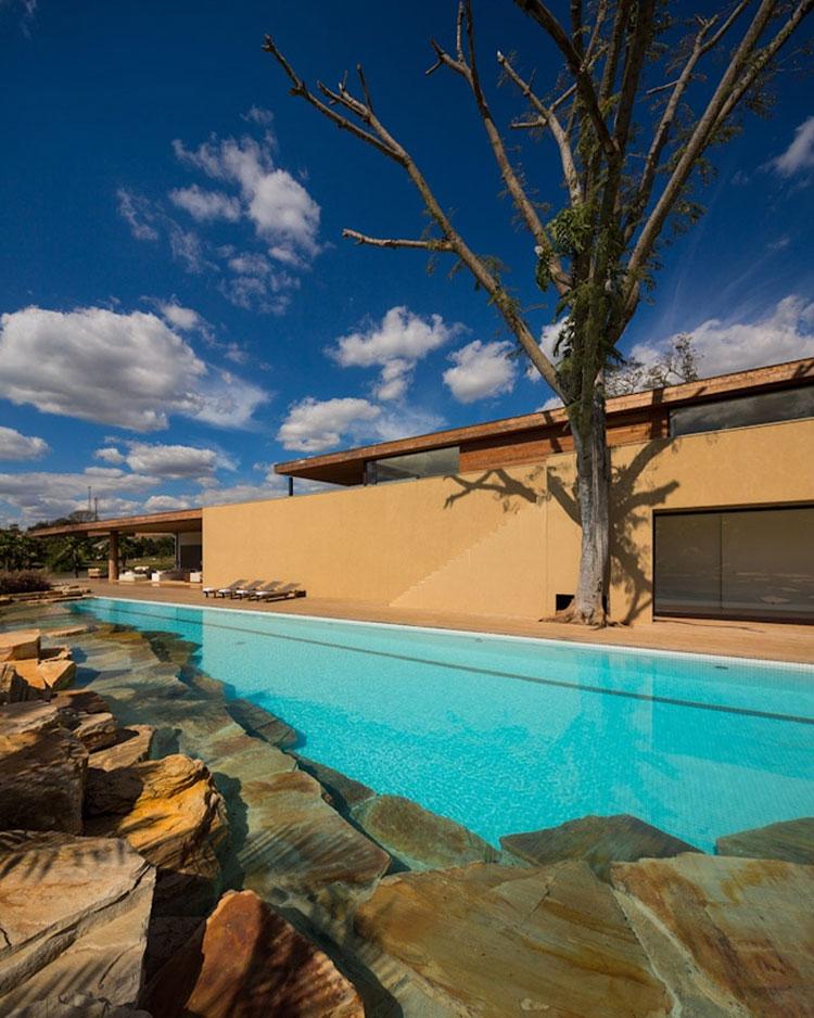 Foto della piscina dal design moderno n.18