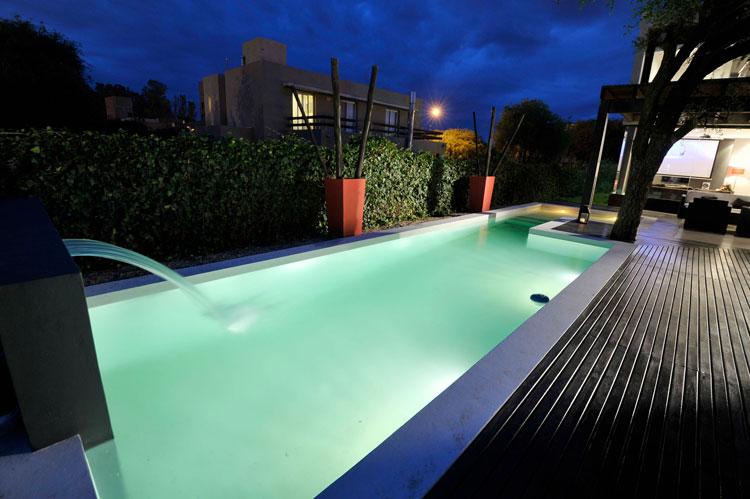 Foto della piscina dal design moderno n.25