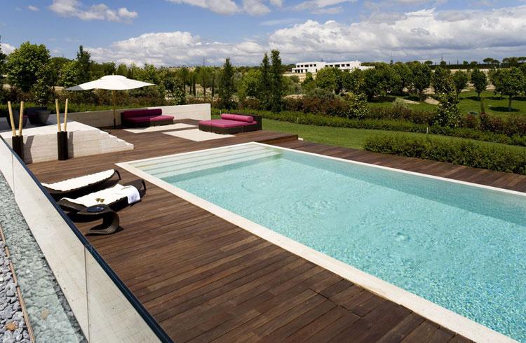 Foto della piscina dal design moderno n.27