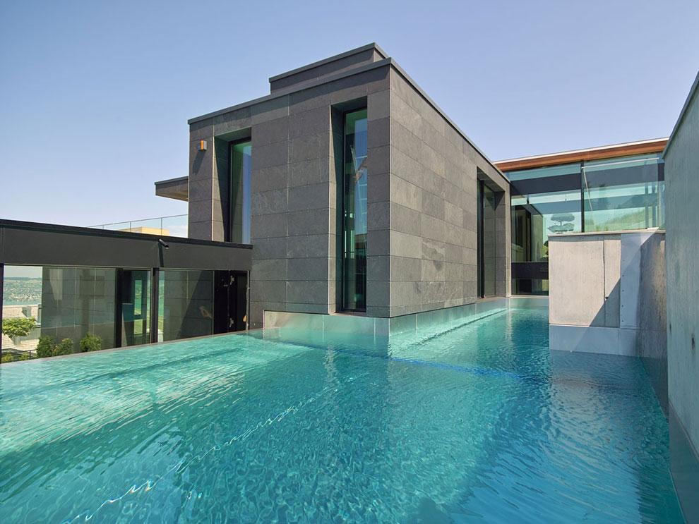 Foto della piscina dal design moderno n.30