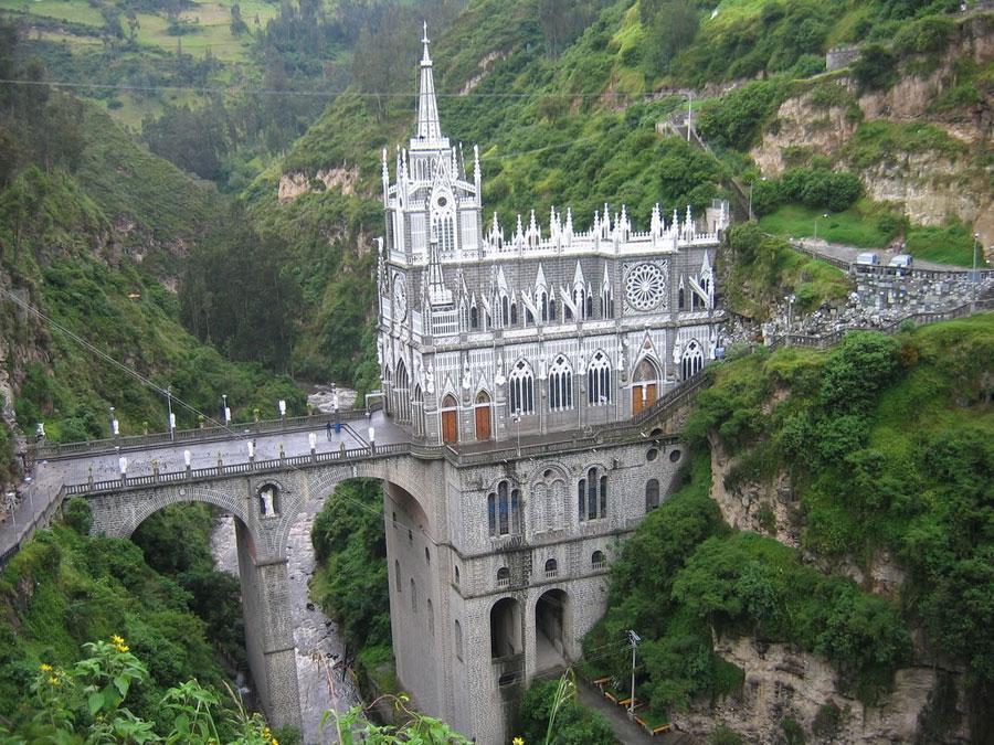 Foto del santuario di Las Lajas in Colombia