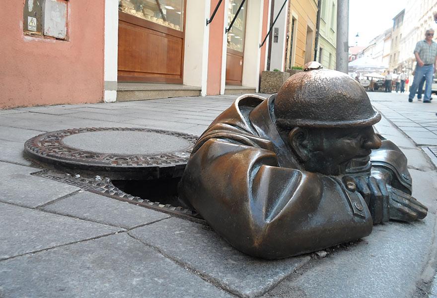 Immagine de La Statua di Cumil di Viktor Hulick