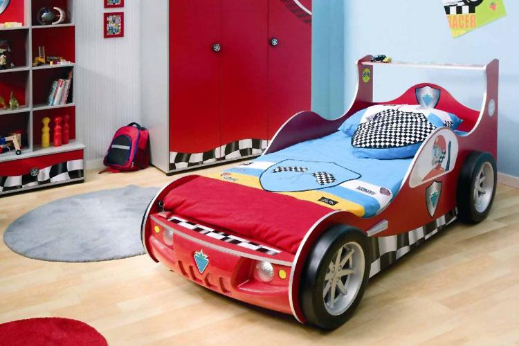 Letto per bambini a forma di macchina n.02