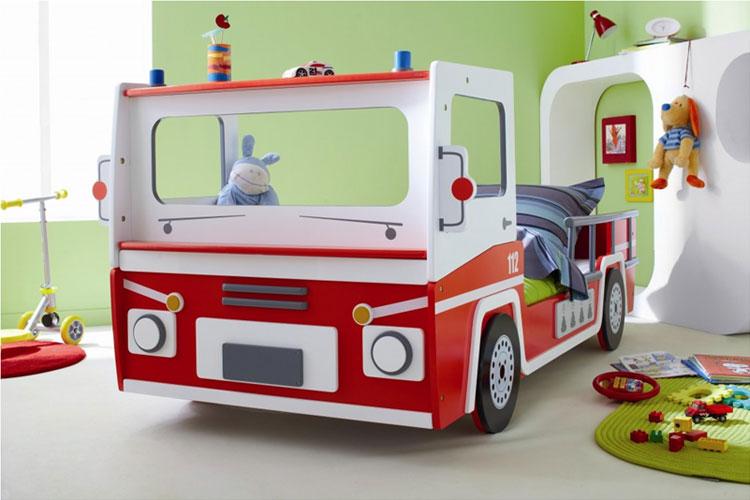 Letto a forma di camion della polizia