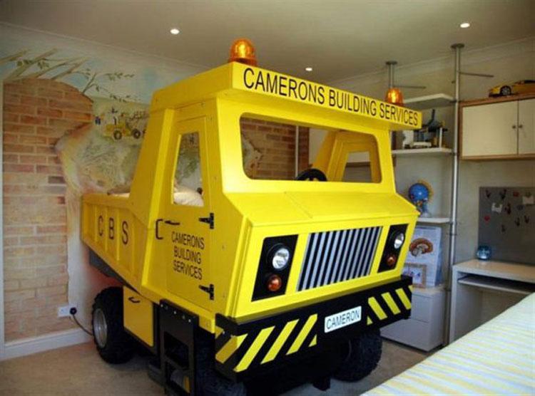 Letto a forma di autocarro per bambini