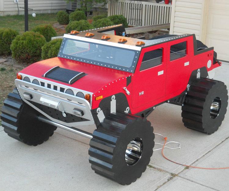 Letto a forma di Hummer