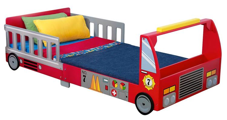 Letto a forma di camion dei pompieri n.53