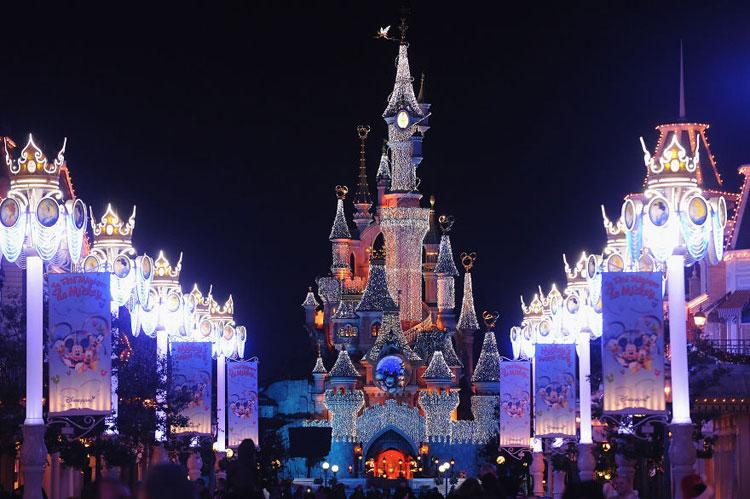 Foto delle luci natalizie di Disneyland Paris