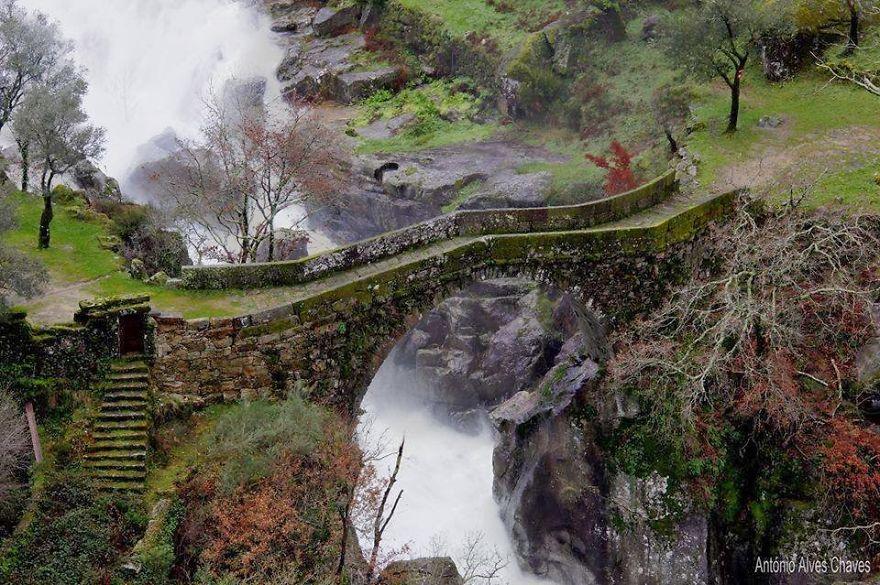 Foto del ponte di Misarela in Portogallo