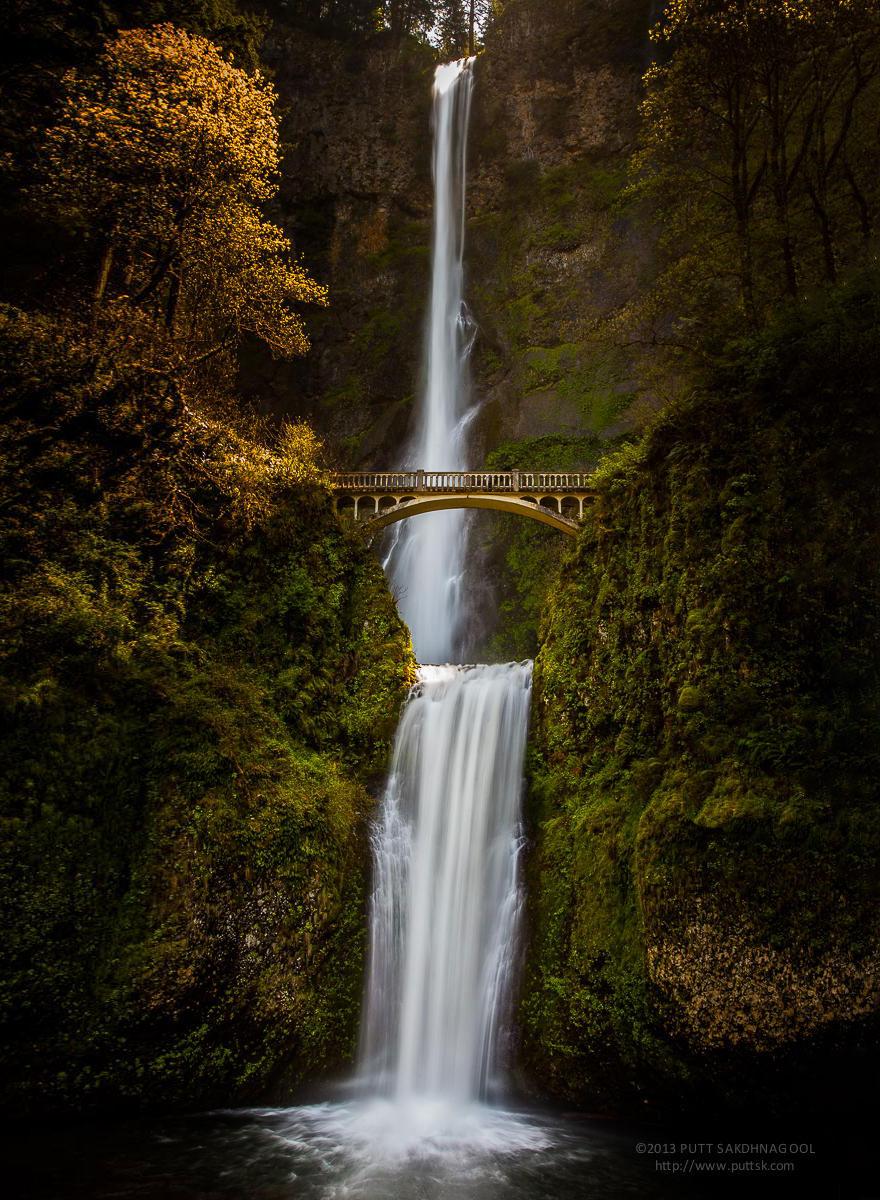 Foto del ponte di Multnomah Falls negli Usa