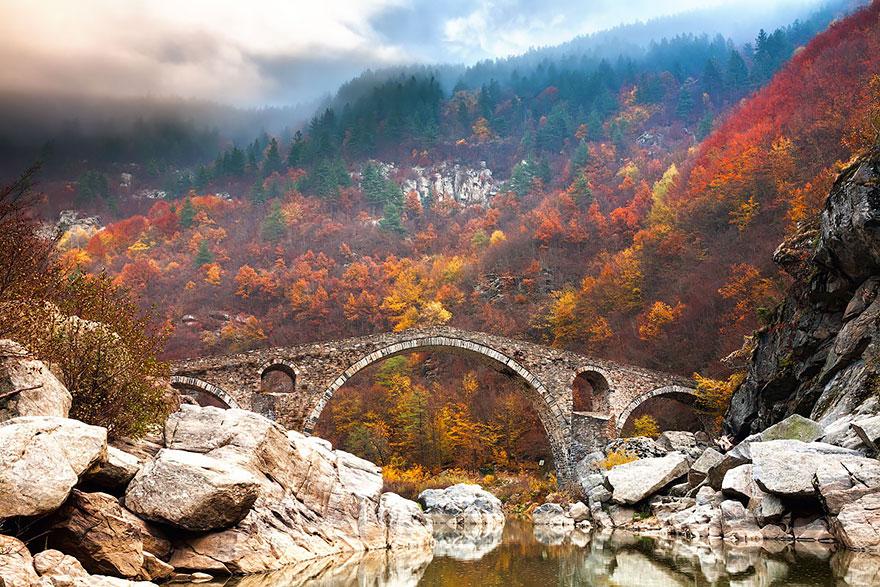 Foto del ponte del Diavolo in Bulgaria