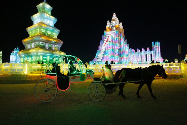 Foto delle sculture dell'Harbin Ice Festival n.11