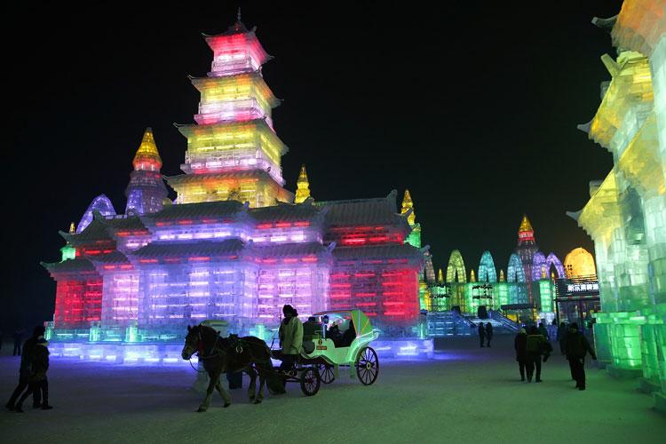 Foto delle sculture dell'Harbin Ice Festival n.14