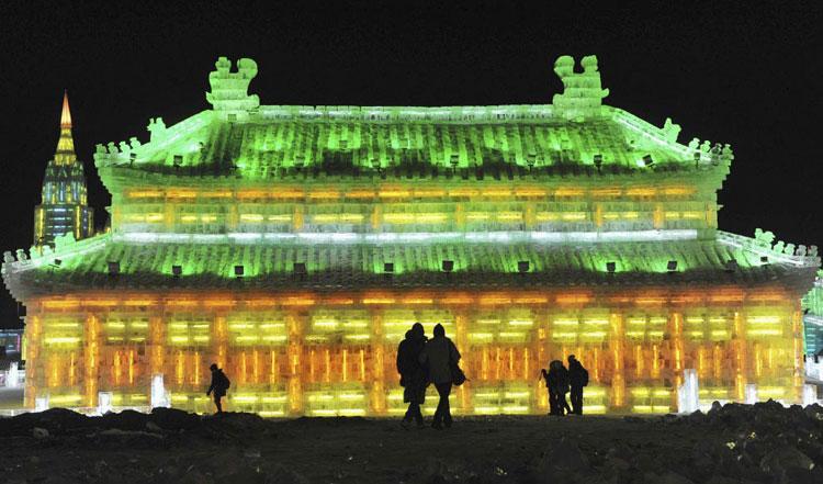 Foto delle sculture dell'Harbin Ice Festival n.17