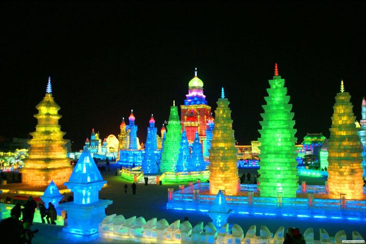 Foto delle sculture dell'Harbin Ice Festival n.18