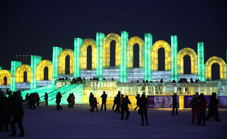 Foto delle sculture dell'Harbin Ice Festival n.24
